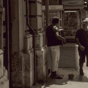 reportage sociale musicante di strada